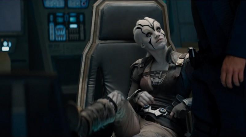 Frech: Hier setzt Sie sich einfach auf den Stuhl des Captains!